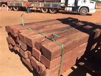 Dormentes de madeira de ferrovias antigos