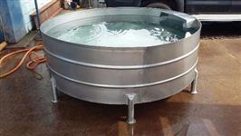 Bebedouro Australiano para gado 1.600 litros em aço inox