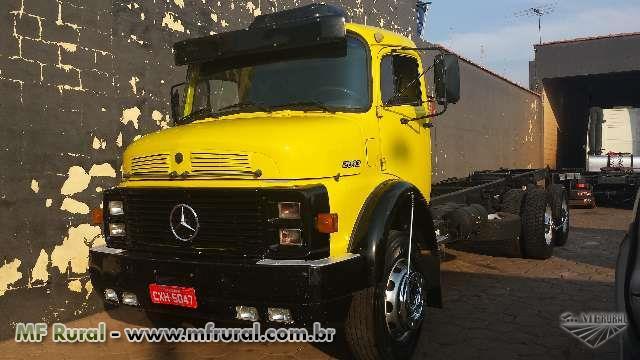 Caminhão Mercedes Benz (MB) 2013 Ano 81