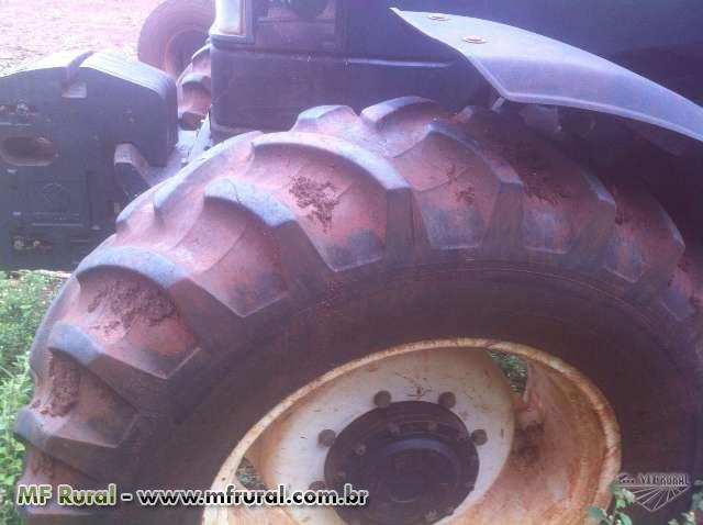 Trator Ford/New Holland TS 120 4x4 ano 04