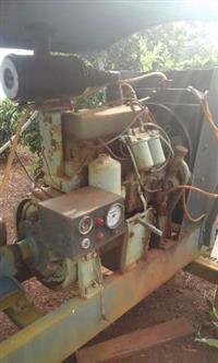 Motor Diesel Mercedes 4 Cil E Bomba Montado Em Carrinho P/ Irrigação