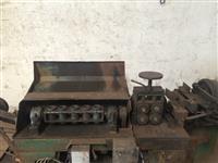 Endireitador de arame e vergalhão de até 6mm e comprimento de 12m
