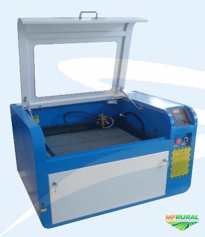 Máquina de corte e gravação à laser Nova