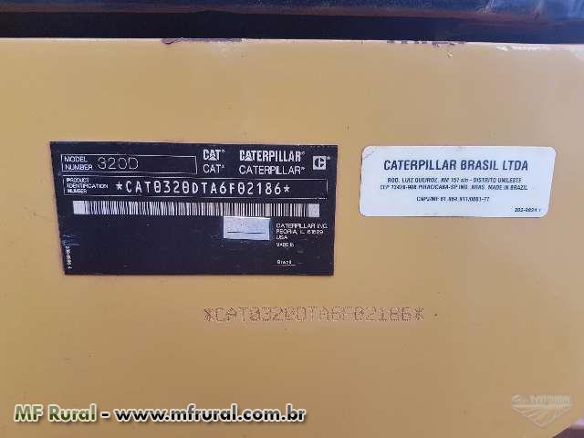 ESCAVADEIRA CATERPILLAR 320D