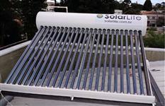 Aquecedor de água solar - eficiência e economia de energia.
