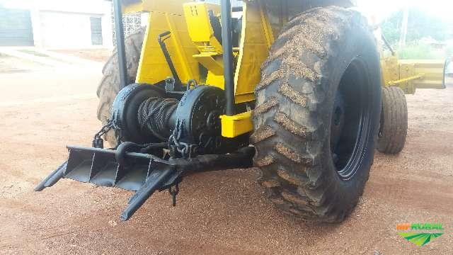 Trator Cbt 2105 4x2 ano 82