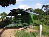 Area de Vivencia para 16 Pessoas com Dois Banheiros