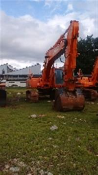 Escavadeira DOOSAN DX300 ano  2011  horas 2099