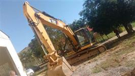 Escavadeira Cat 320D2, ano 2014  com 2700 horas preço