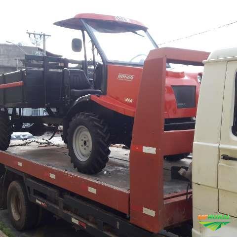 Trator Transportador Bravo 1600 4x4 ano 18 MOTOR YAMAR 44 CAVALOS