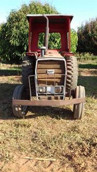 Trator Massey Ferguson 275 Collector 4x2 ano 79