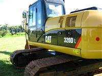 Escavadeira Caterpillar 320 DL