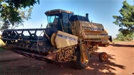 Colheitadeira New Holland TC57