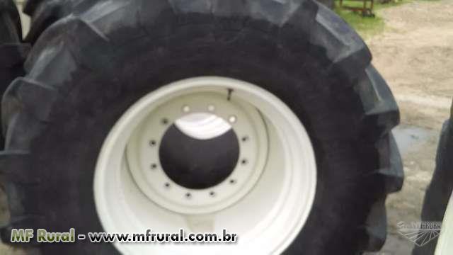 Pneus agrícola trelleborg com aros para tratores New Holland t 8