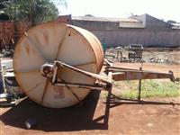 Rolo compactador de 7 toneladas e arrasto