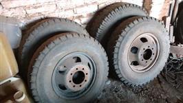 Pneus e rodas f 4000