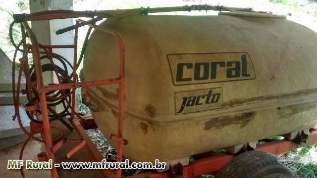 Pulverizador jacto 2000 litros