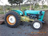 TRATOR FORD 8 BR