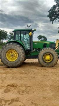 Trator John Deere 6145 4x4