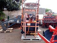Pulverizador JACTO 600 litros ano 2001
