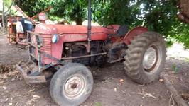 Trator Massey Ferguson 65 X 4x2 ano 85