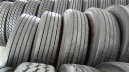 Lote 8 pneus de caminhão 295/80 liso recapado (80% de borracha)