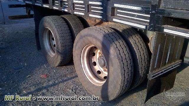 Caminhão Mercedes Benz (MB) L 1620 6x2 ano 11