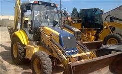 Retroescavadeira New Holland LB110 ano 2011