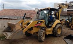Retroescavadeira Caterpillar 416E 4x4 ano 2015 com 3454 horas