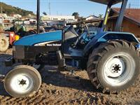 Trator Ford/New Holland TL 75 E 4x2 ano 00