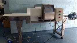 Esteira detectora de metais