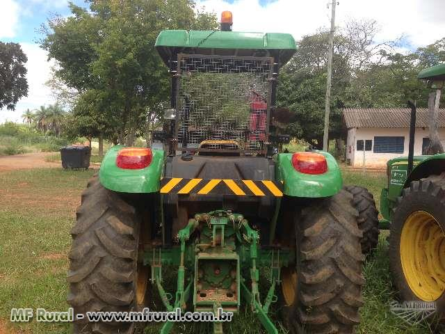 Trator John Deere 5065E 4x4 ano 13