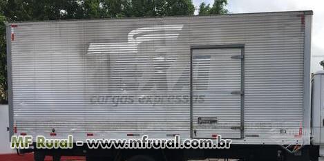 Baú 7 metros Carbus