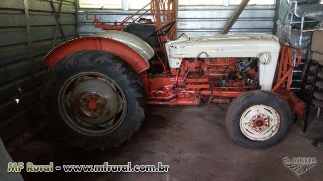 Trator Ford/New Holland 6600 4x2 ano 51