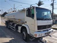 Caminhão Mercedes Benz (MB) atron 2729 6x4 tanque pipa ano 13