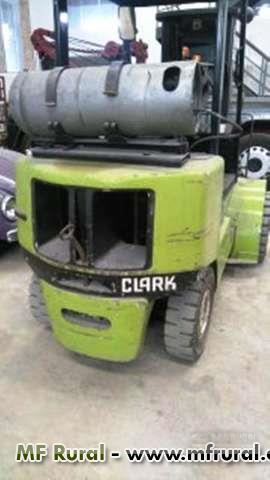 Empilhadeira Clark CGP 30 Automatica 3ton Torre Triplex