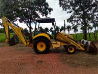 Retroescavadeira New Holland