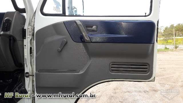Caminhão Volkswagen (VW) 13170E ano 05