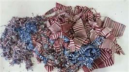 Retalhos de tapete tear com fio desfibrado e de resíduo de algodão