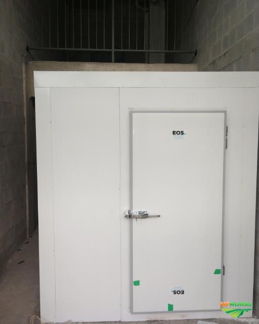 Câmaras Frigoríficas | Câmaras Frias | Pequeno à Grande Porte | 10°C a -40°C