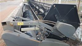 Plataforma Valtra 30 pés, serie 630, ano 2014.
