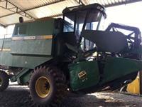 Colheitadeira Agrícola, Marca John Deere, modelo 6200, ano 1988, Gabinada