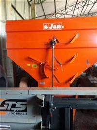 Graneleiro, Marca Tanker 20 toneladas, ano 2008, com pneus em perfeito estado de conservação.