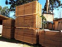 Madeira de pinus bruta e benificiada