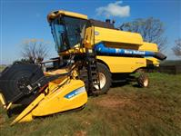 COLHEITADEIRA NEW HOLLAND TC5070, 2010