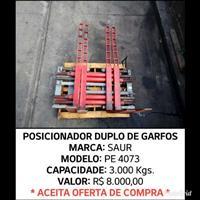 Posicionador Duplo de Garfos Para Empilhadeiras - Saur - PE 4073 - 3.000 Kgs.