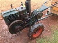 Trator Micro Trator Kubota 4x2 ano 80
