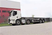 Caminhão Volvo VM 270 8X2 ano 14
