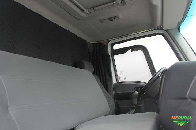 Caminhão Ford CARGO 1319 ano 15