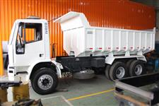 Caminhão Iveco Eurocargo 6x4 ano 11